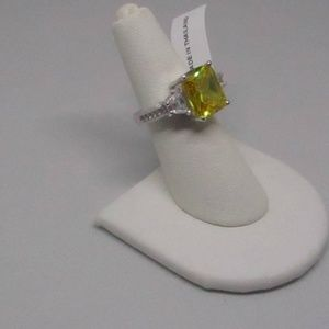 Simulated Yellow Diamond Size 6